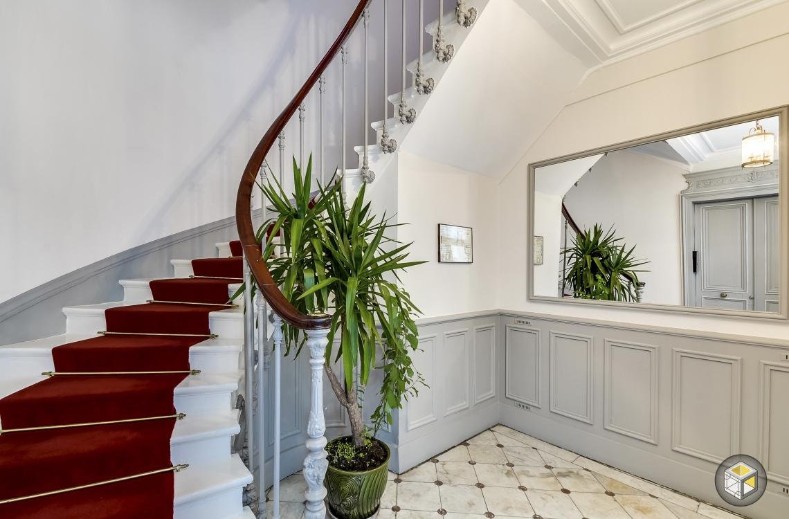 R novation cage d 39 escalier paris rue d 39 artois r novateurs - Renovation cage d escalier immeuble ...