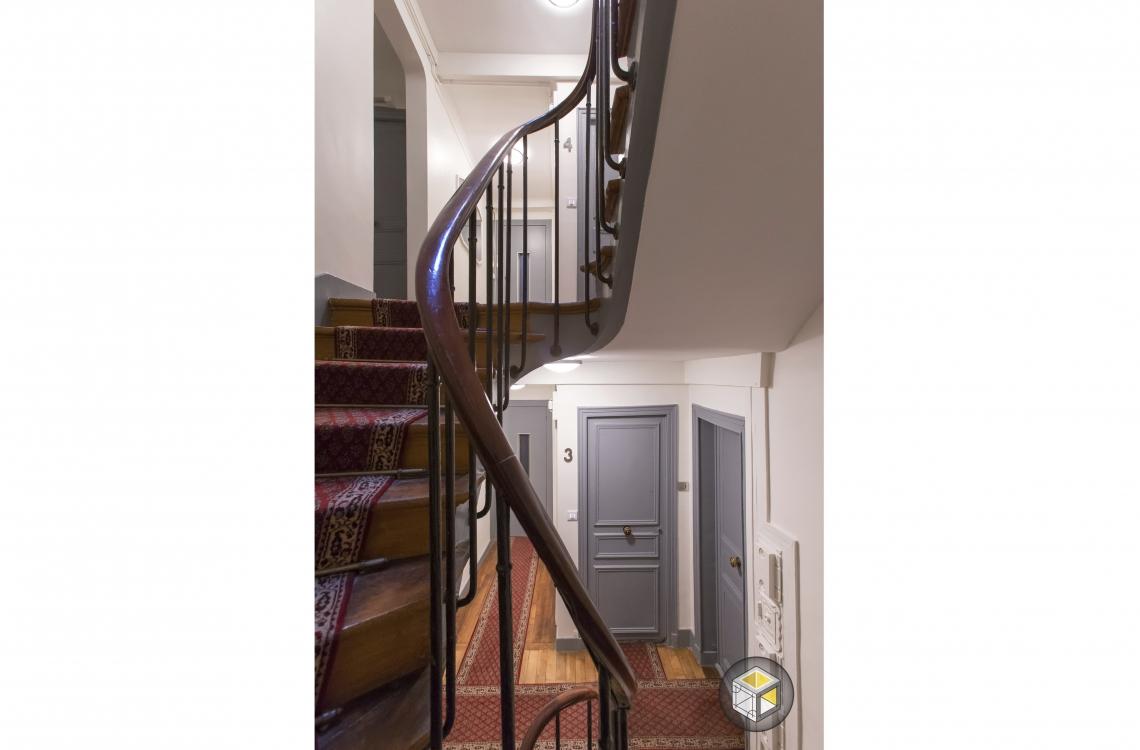 Rénovation Cage d\'escalier Faubourg St Honoré   Ré-novateurs