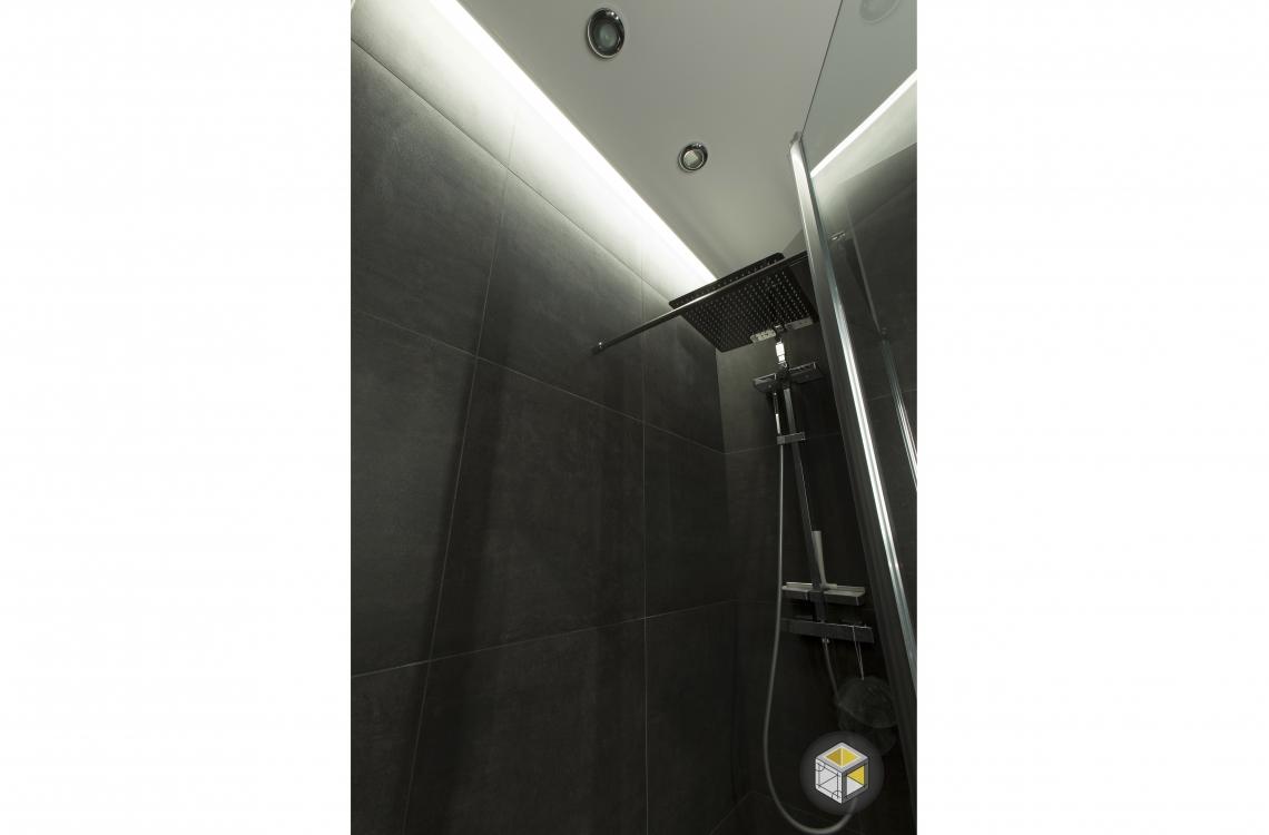 salle de bain douche noir